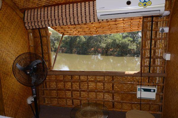 Houseboat Tour